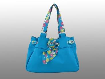 Яркая вместительная пляжная сумка из натуральной ткани.  Страна-изготовитель - Индия.  Материал: плотная ткань (100...